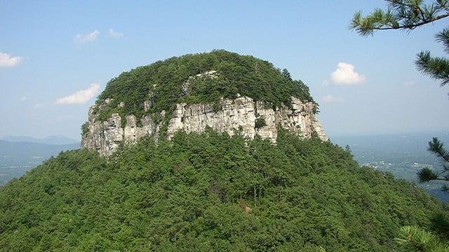 Pilot Mountain State Park (Source: Wikimedia)