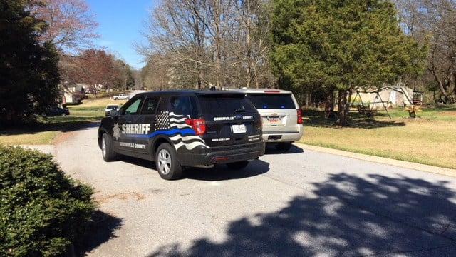 Deputies on scene of Bethel Road (Feb. 27, 2018/FOX Carolina)