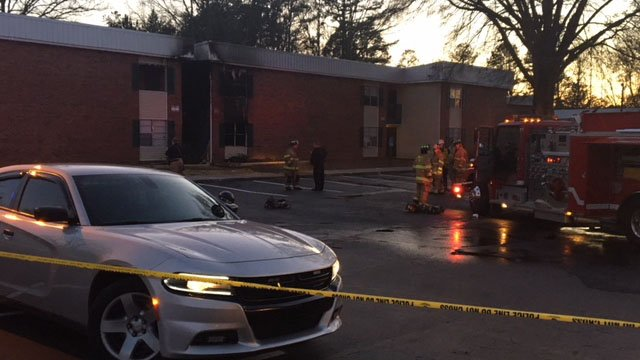 Crews battle fire at Walhalla Gardens Apartments (Source: iWitness)
