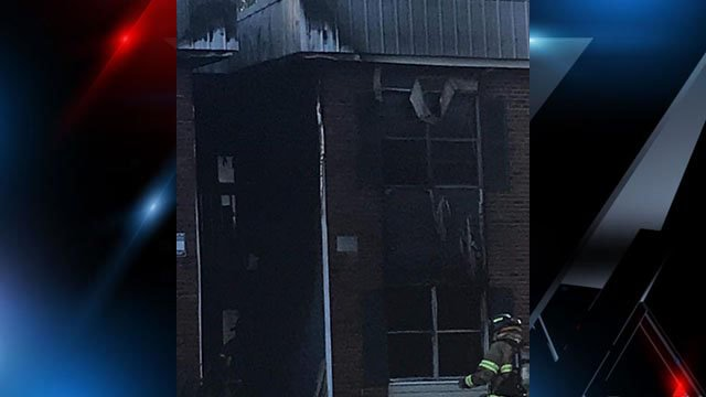 Crews battle fire at Walhalla Gardens Apartments (FOX Carolina/ 3/7/18)