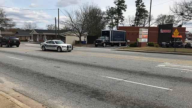 Crews investigating suspicious package in Mauldin. (FOX Carolina/Mar. 21, 2018).