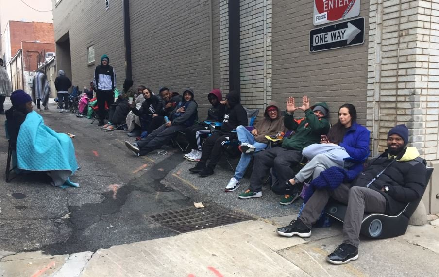 Campers waiting to get shoes (FOX Carolina/ March 26, 2018)