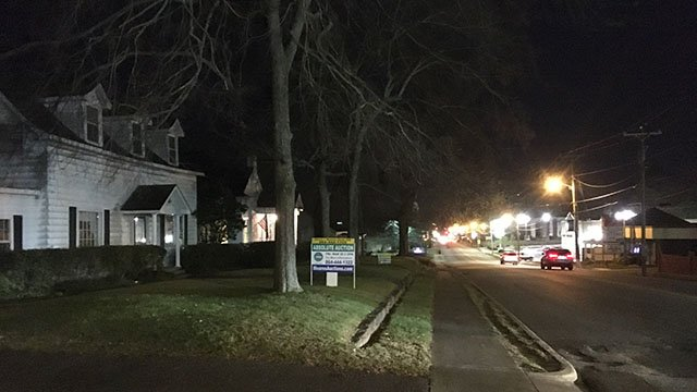 Officer injured during arrest in Williamston (FOX Carolina/ 3/28/18)