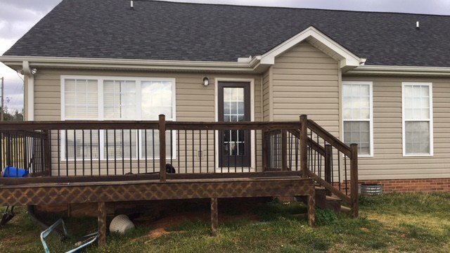Back deck where incident occurred. (Mar. 29, 2018/FOX Carolina)