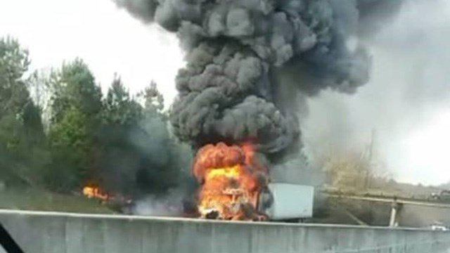Tractor trailer fire on I-85 S in Anderson Co. (Credit: Jeremy Watkins)