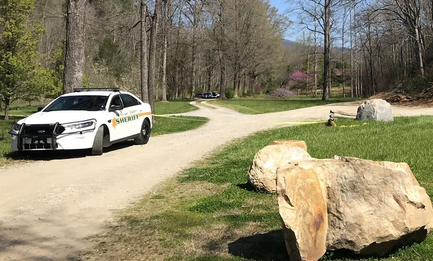 Scene of murder-suicide in McDowell County (FOX Carolina/ April 11, 2018)