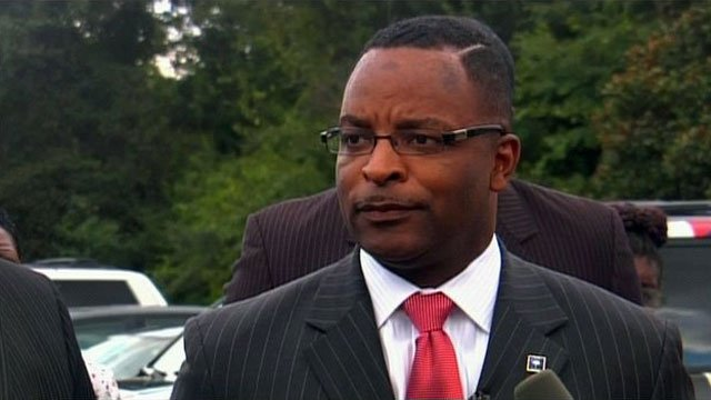 SC Rep. Harold Mitchell talks to media at the Spartanburg County Sheriff's Office. (Sept. 8, 2011/FOX Carolina)