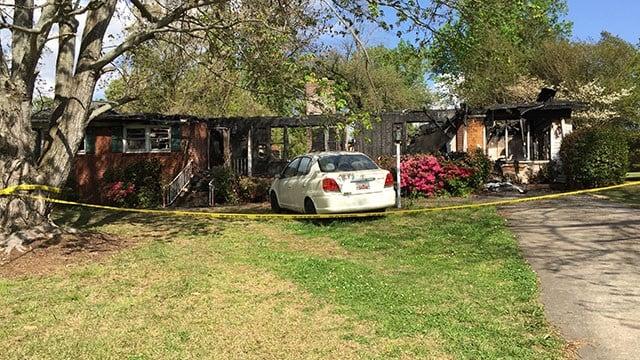 Scene of fatal Greenville Co. house fire (FOX Carolina/ 4/14/18)