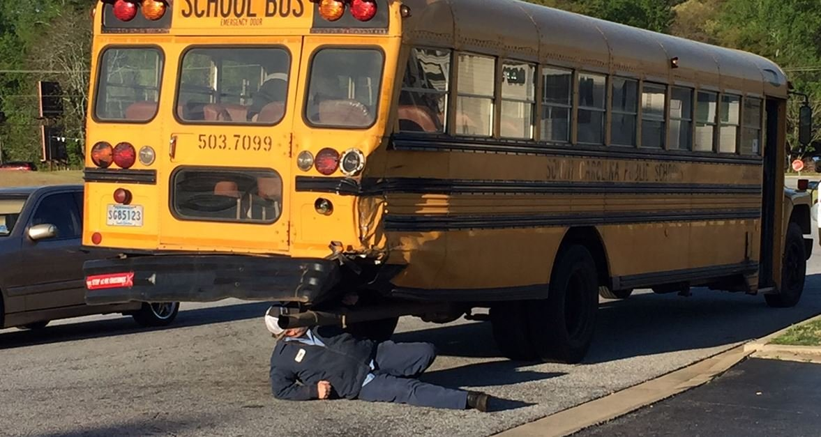 No injuries when school bus/ 18 wheeler collide (FOX Carolina/ April 16, 2018)