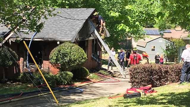 Crews on scene at Northway Drive. (FOX Carolina/April 20, 2018).