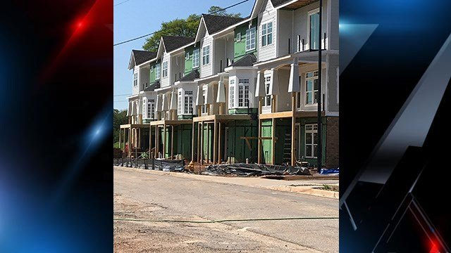 Scene of construction site on South Hudson Street. (4/28/18 FOX Carolina)