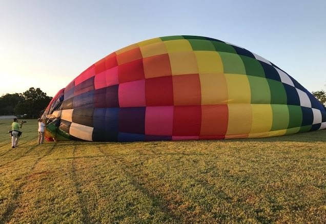 Hot air balloons get ready to fly in Anderson (FOX Carolina)