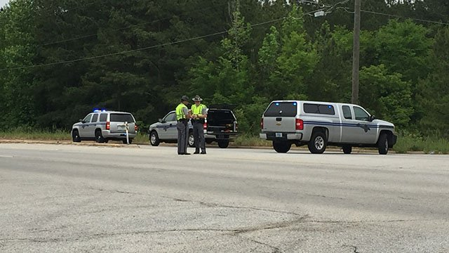 Coroner says man killed in crash on Hwy 25 in Greenwood Co. (FOX Carolina/5/5/18)