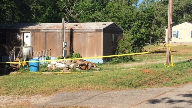 Double homicide investigation underway after bodies found in Anderson home (FOX Carolina/5/6/18)