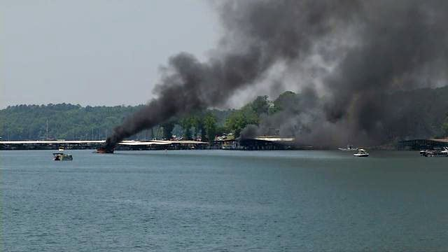 Boat fire in Anderson (May 14, 2018/FOX Carolina)