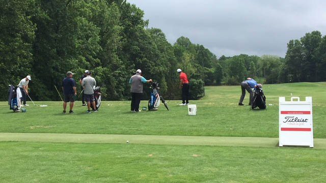 Golfers prepare to hit the course at Thornblade (FOX Carolina/May 16, 2018).