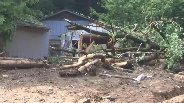 1 killed in Polk Co. mudslide, many with damages