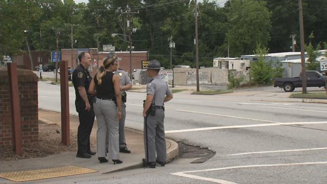 Officers on the scene of the crash (FOX Carolina/ May 23, 2018)