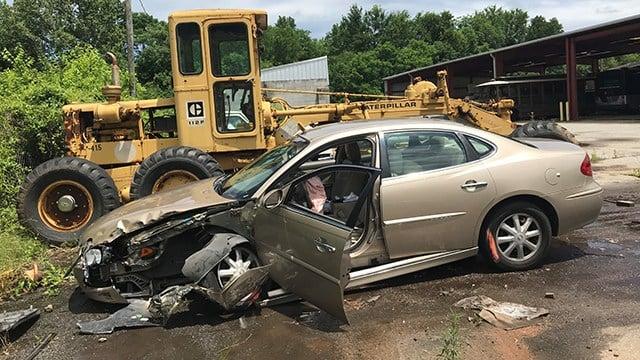 Robbery suspect's vehicle in impound lot (May 23, 2018/FOX Carolina)