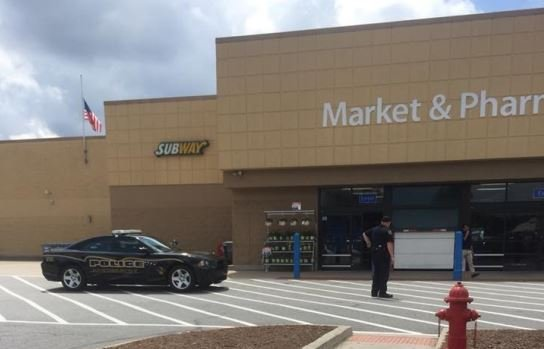 Police assist in evacuating Walmart (Source: Caroline Segars Day)