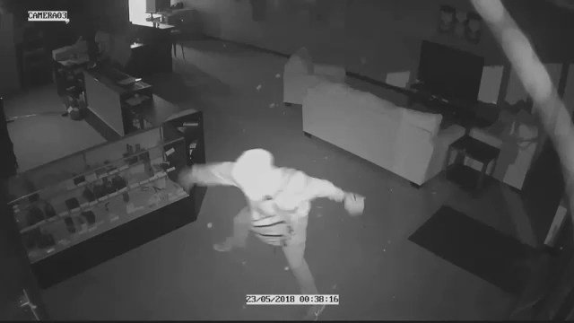 Suspects in vape shop burglary (Source: Vapor and a Bottle)
