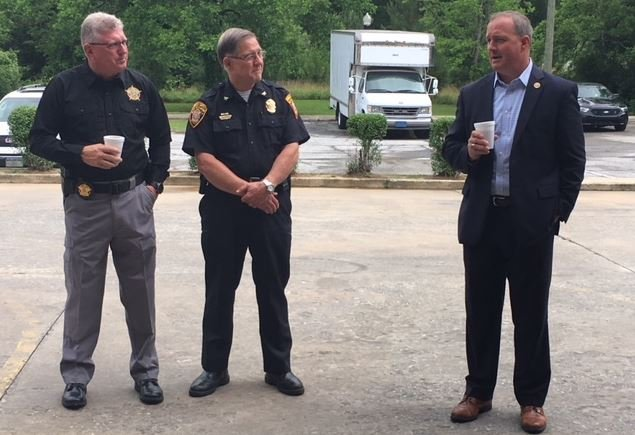 Jeff Duncan (right) meets with law enforcement leaders in Laurens County (May 29, 2018/ FOX Carolina)