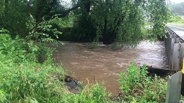 Flooding at Swannanoa River. (5/29/18 FOX Carolina)