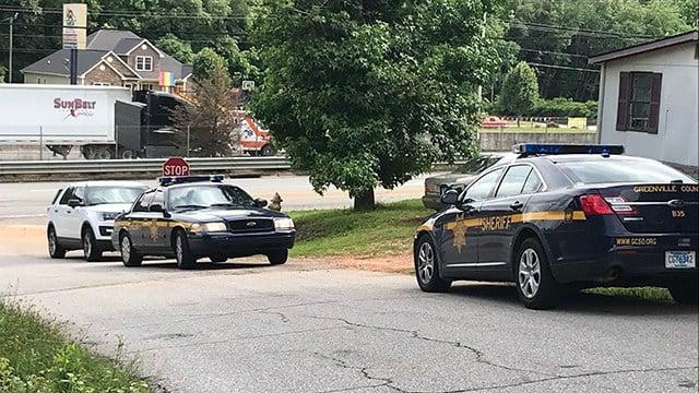 Deputies search Ghana Drive (May 30, 2018/FOX Carolina)