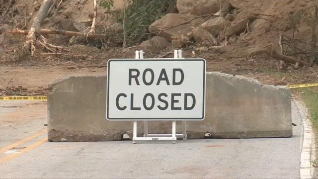 Contractors to remove landslide. (FOX Carolina/ June 11, 2018).