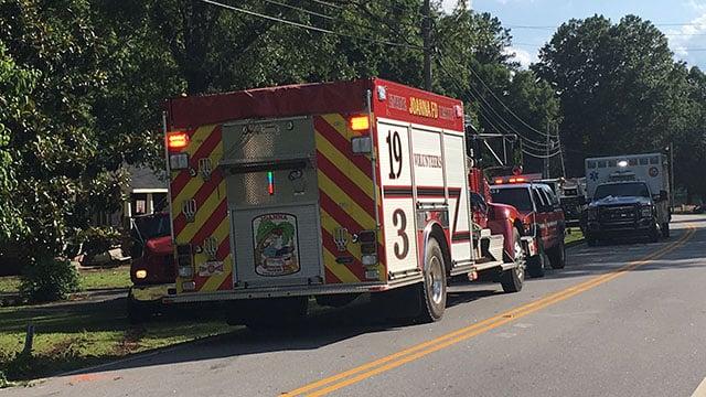 Scene of fatal Whitmire Hwy crash (FOX Carolina/6/14/18)
