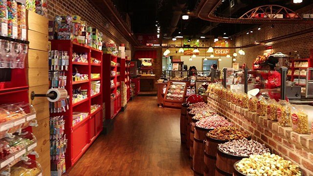 Savannah's Candy Kitchen has made southern confections known from coast to coast - from our famous Savannah's Original Pralines, saltwater taffy, to hand stretched peanut brittle. Whether for holidays, office parties, gifts, or just because, we have you covered with an .