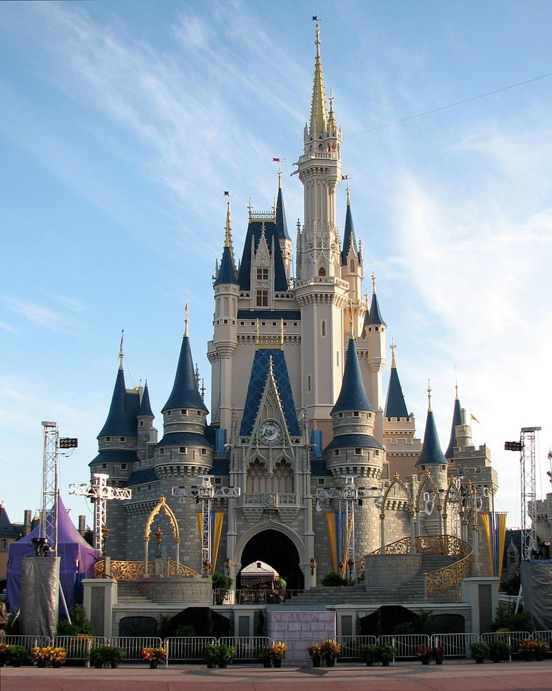 Cinderella's Castle (Source: Wikimedia Commons)