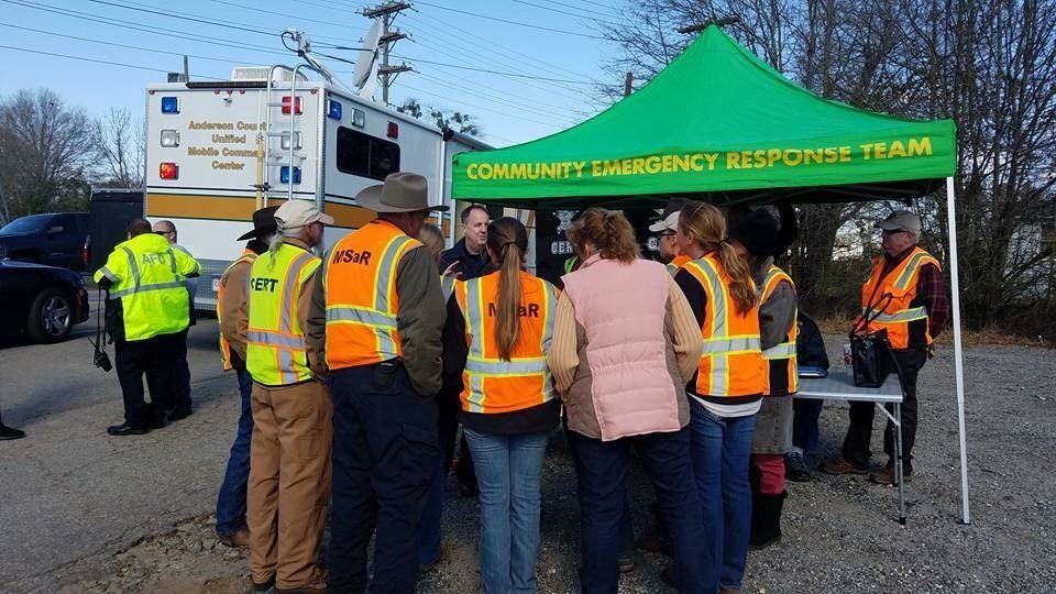 CERT volunteers on a search scene (Source: Anderson County CERT).