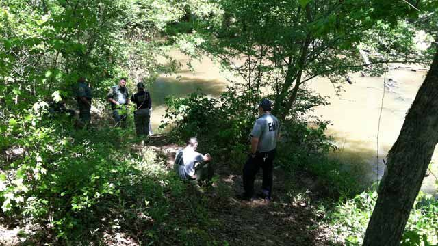 The location along the river where rescuers brought Avery to by canoe. (April 13, 2012/FOX Carolina)