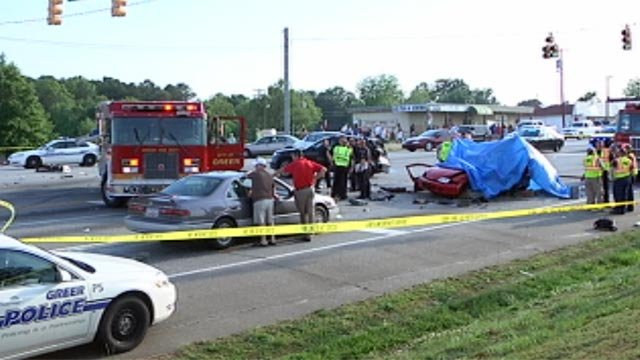 Police and emergency crews at the scene of a multi-car accident in Greer. (April 29, 2012/FOX Carolina)