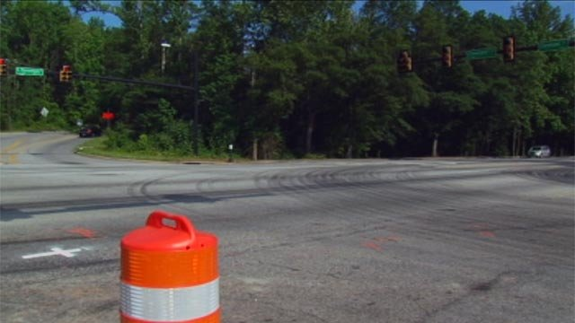 The intersection of S. Pleasantburg Drive and Cleveland Street, where the coroner says a teen was killed Saturday night. (May 6, 2012/FOX Carolina)