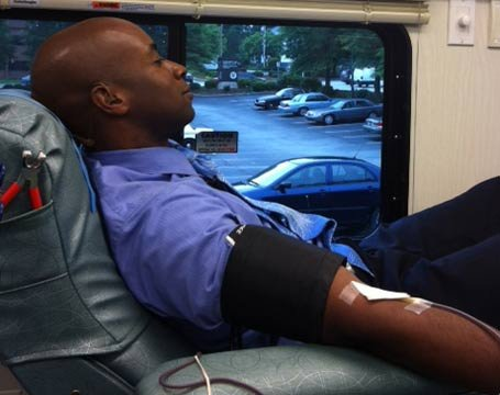 FOX Carolina's Will Jones donates blood for Tuesday's drive. (May 15, 2012/FOX Carolina)