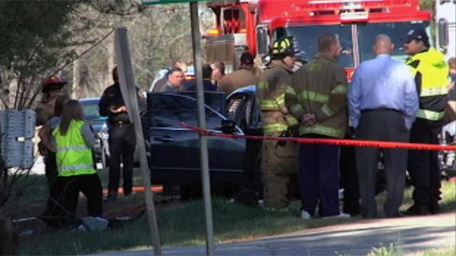 Emergency crews at the scene of the deadly April 2011 crash that killed a Byrnes High teen. (File/FOX Carolina)