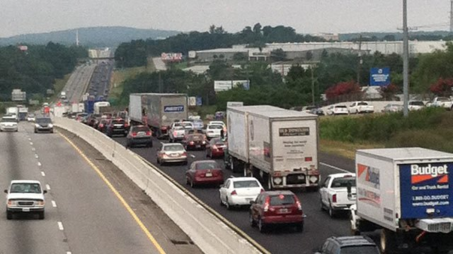 Southbound I-85 traffic backed up after crash. (July 10, 2012/FOX Carolina)
