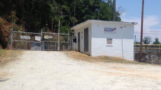 The area where deputies say she woke up near and tried to use the power station's phone. (June 22, 2012/FOX Carolina)