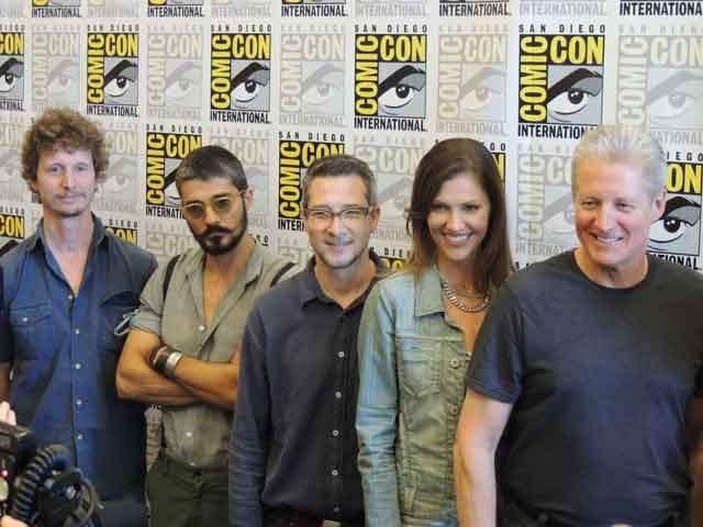 Tron:Uprising (L to R) Robert Valley, Alberto Mielgo, Charlie Bean, Tricia Helfer, Bruce Boxleitner