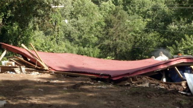 The collapsed building along Mingus Hill Road in Canton. (July 22, 2012/FOX Carolina)
