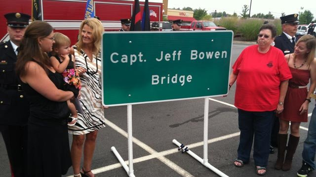 The new sign for the Capt. Jeff Bowen Bridge is revealed. (Aug. 15, 2012/FOX Carolina)