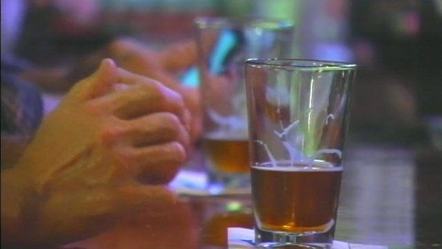 Beer is served at an Upstate bar. (File/FOX Carolina)