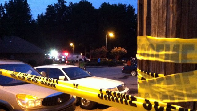 Emergency vehicles can be seen parked at a Spartanburg apartment after a fire. (Aug. 30, 2012/FOX Carolina)