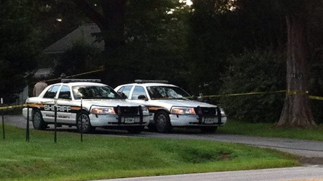 Deputies continue to investigate a triple shooting in Easley. (Aug. 31, 2012/FOX Carolina)