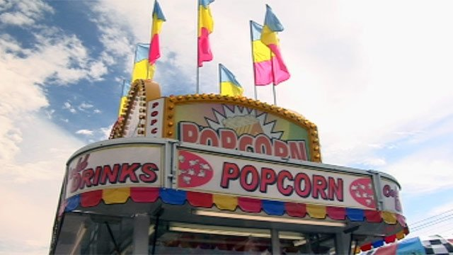 A popcorn stand in downtown Simpsonville for the Labor Day Festival. (Sept. 2, 2012/FOX Carolina)