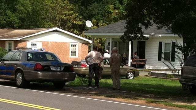 Honea Path police respond to a home on Eastview Street. (Sept. 6, 2012/FOX Carolina)