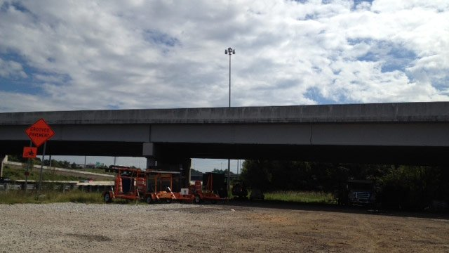 The area under I-85 at Augusta Road where deputies say the signs were stolen from. (Sept. 14, 2012/FOX Carolina)