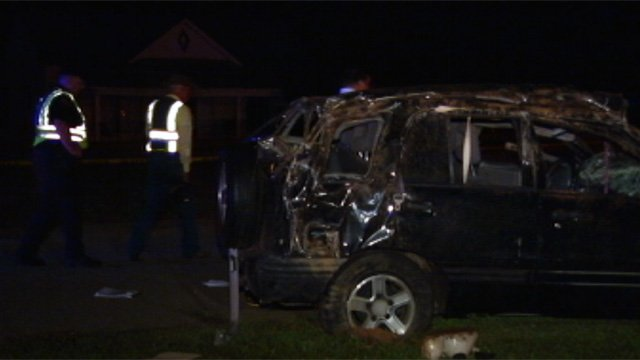 Troopers investigate the fatal crash in Belton. (Sept. 17, 2012/FOX Carolina)